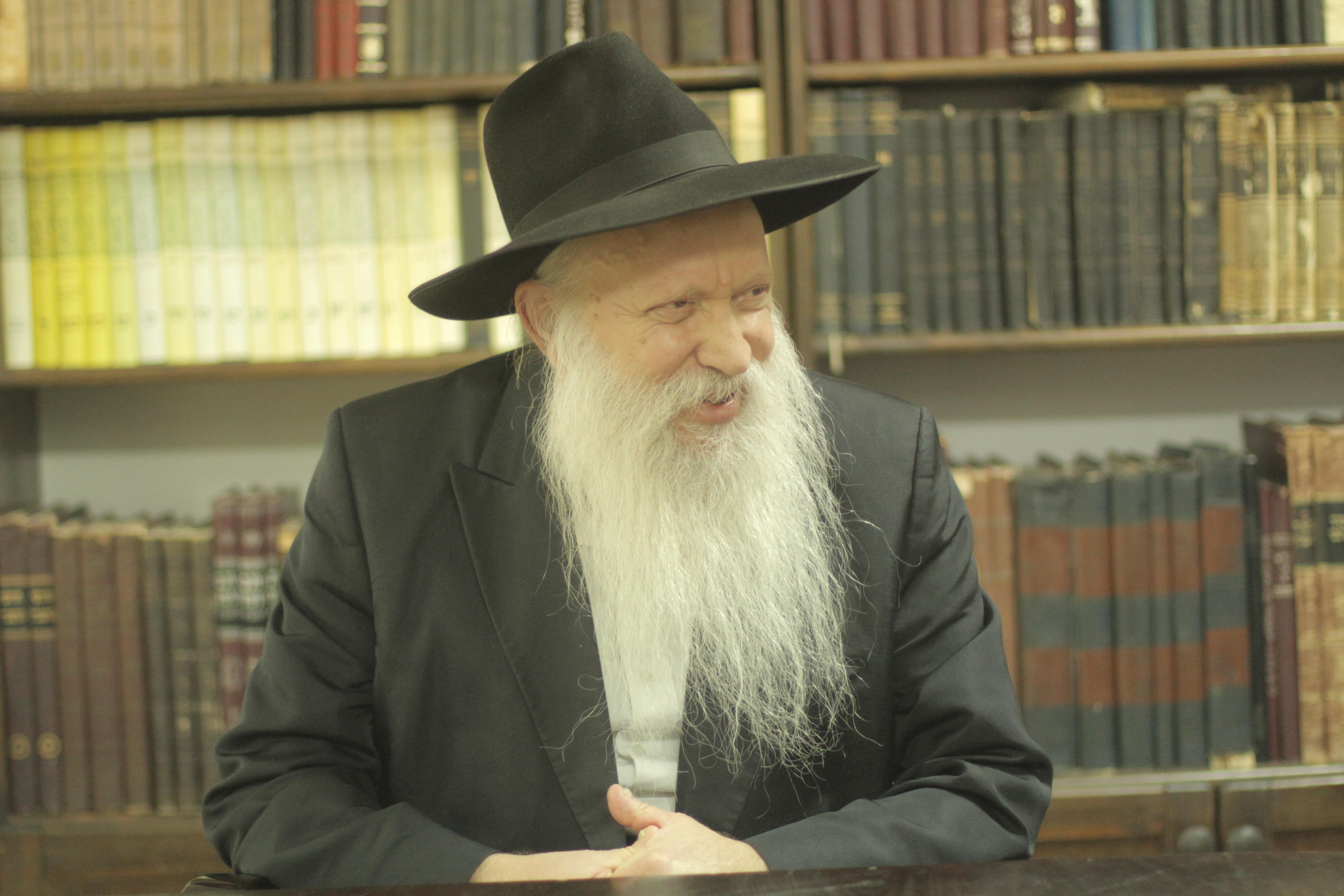 """""""הזמנה והזדמנות לפגוש פנים בפנים ביהודים טובים וחמים, ולהרבות באהבת ישראל"""". הרב גינזבורג  (יהודה פרל)"""