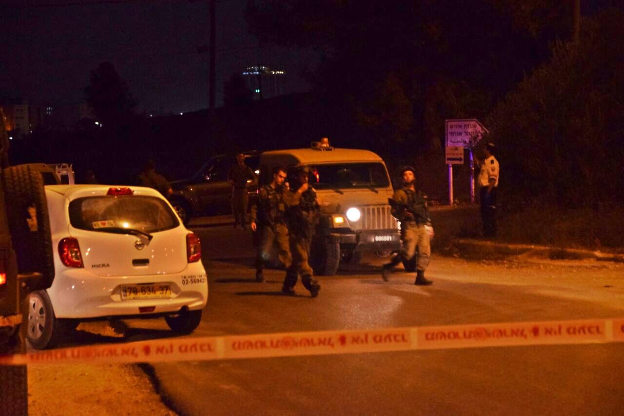 כוחות חוסמים את מחסום פוקוס ליד בית אל. ארכיון (ענבל ראובני, tps)