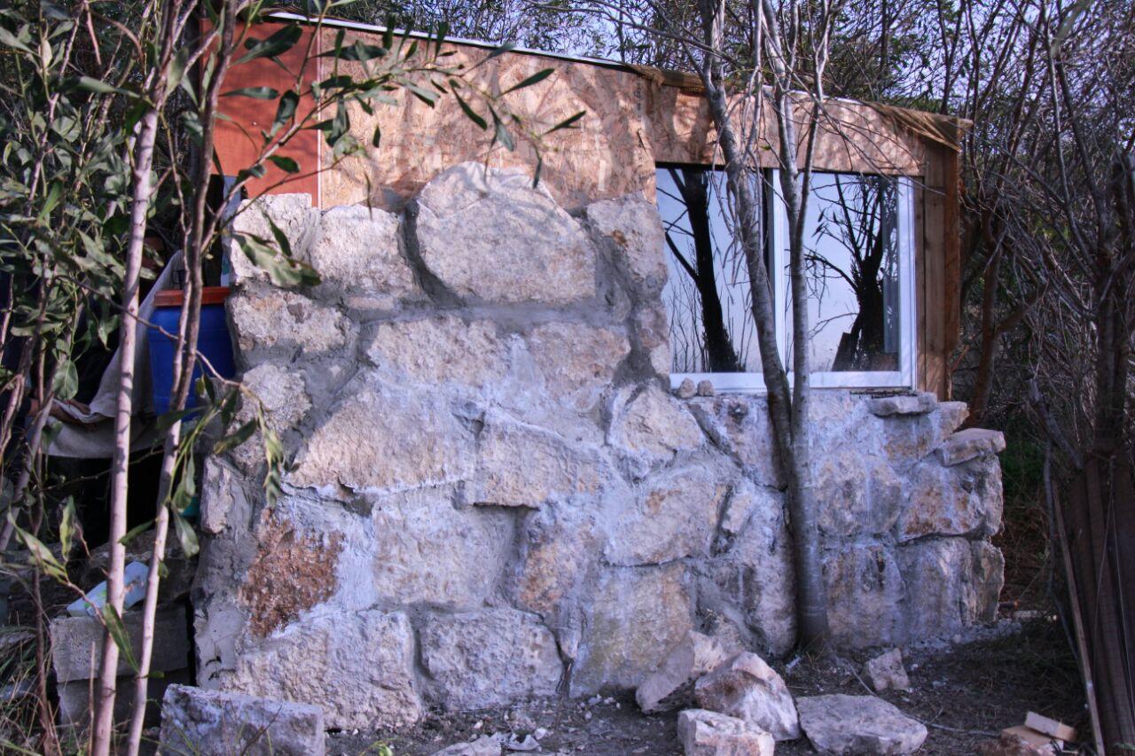 מבנה בית המדרש לפני ההצתה