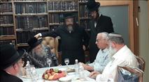 """השר אריאל בפגישה נדירה עם גאב""""ד העדה החרדית"""