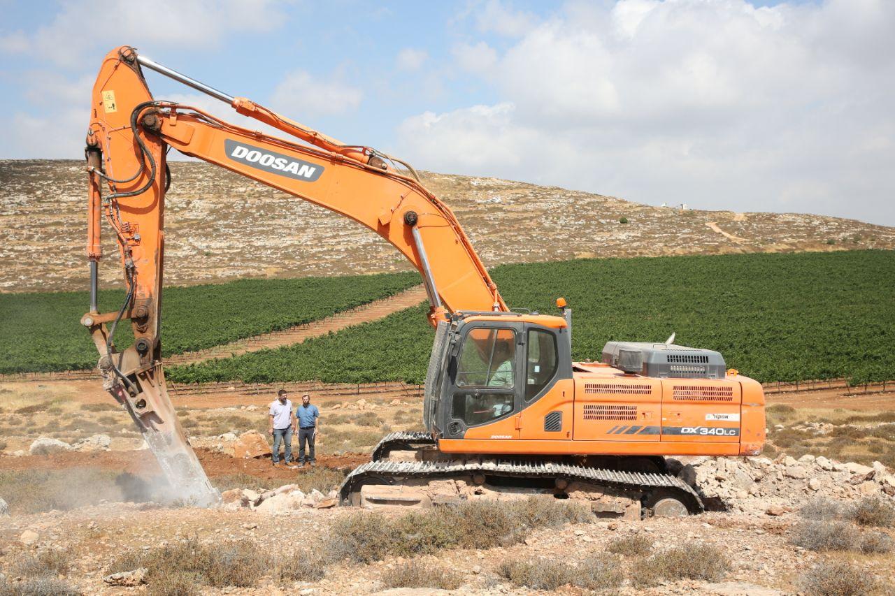 החלו עבודות פיתוח בשטח הישוב החדש של מגורשי עמונה (הלל מאיר TPS)