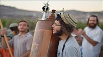 """הרבנים שפירא בהתוועדות מיוחדת על חינוך: """"הכל בגלל ההורים?!"""""""