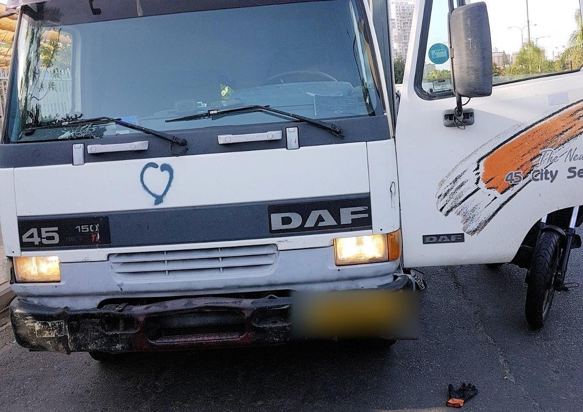 המשאית שגנב מתכנן הפיגוע. צילום: דוברות המשטרה