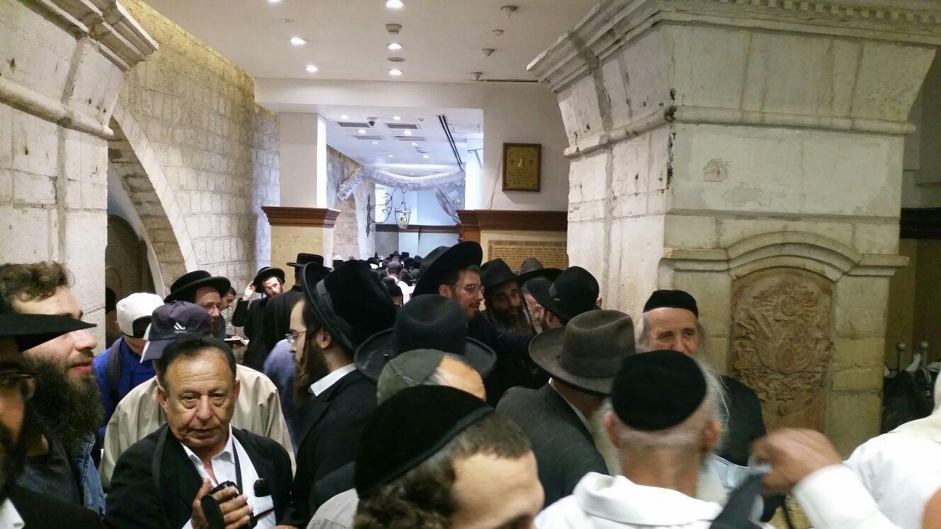 רבבות יהודים בקבר רחל. צילום: מוסדות רחל אמנו