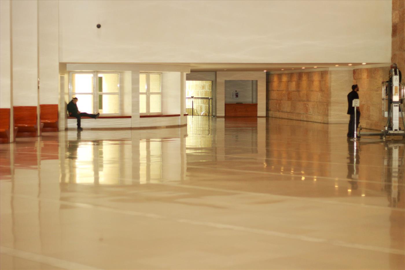 מסדרון בית המשפט העליון צילום: יהודה פרל