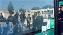 נער ערבי יידה אבן על אוטובוס שהיה בדרכו לכותל