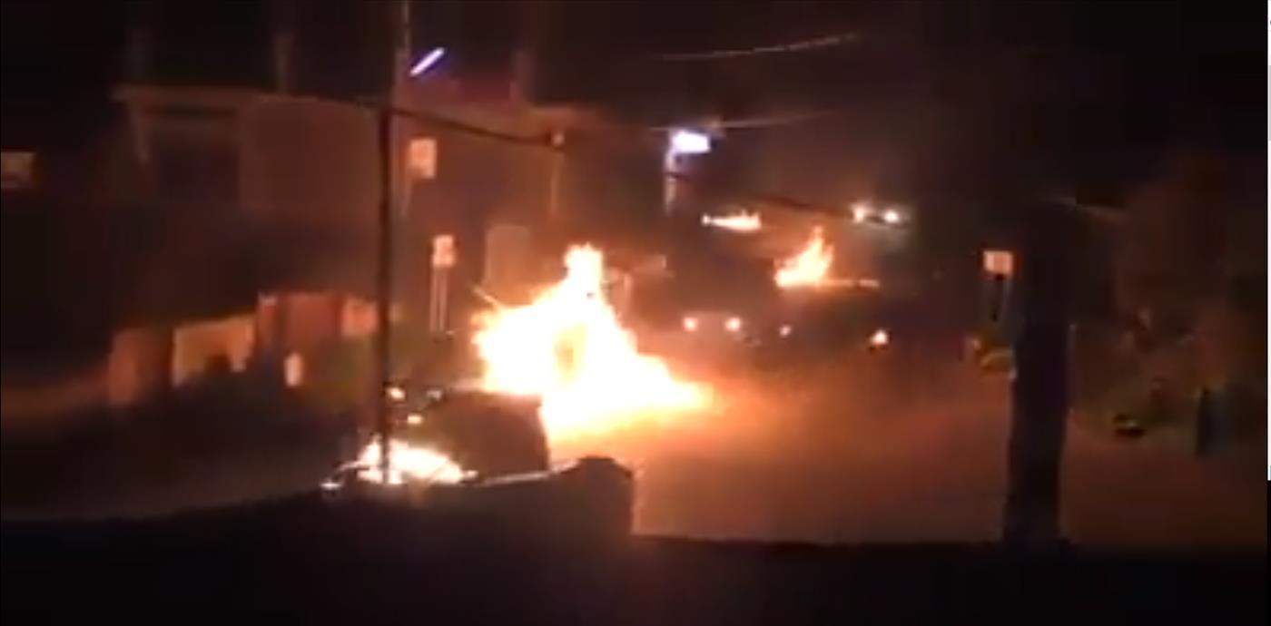 הג'יפים עולים באש (צילום מסך)