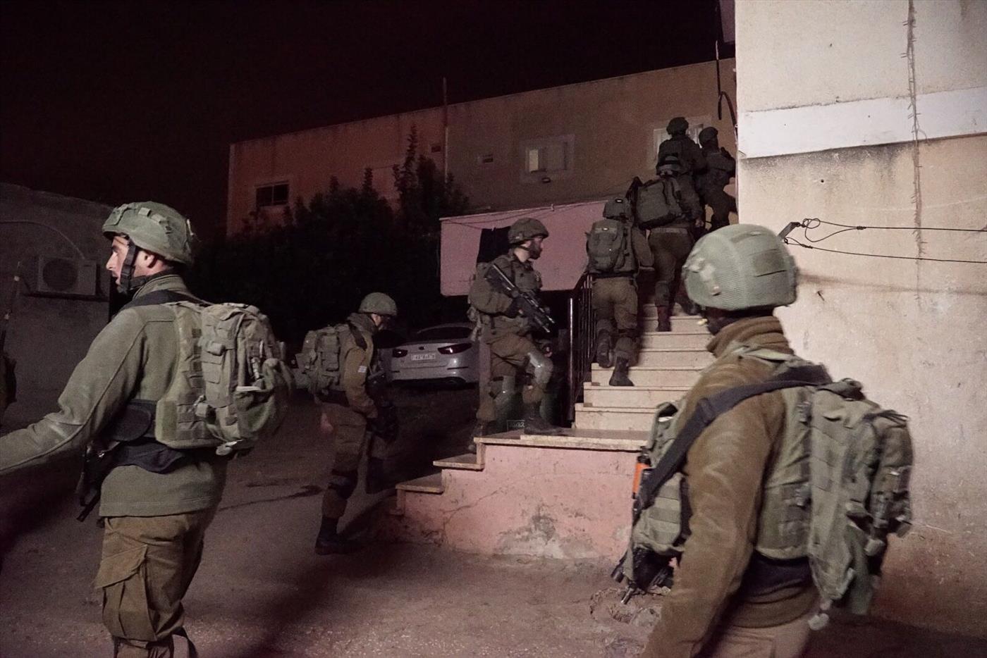 """כוחות צבא בשכם. ארכיון (דובר צה""""ל)"""