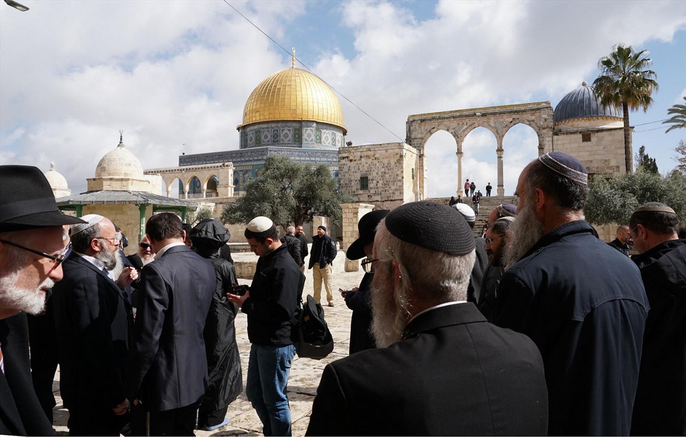 יהודים בהר הבית. ארכיון (חיים קרויזר, מטה ארגוני המקדש)