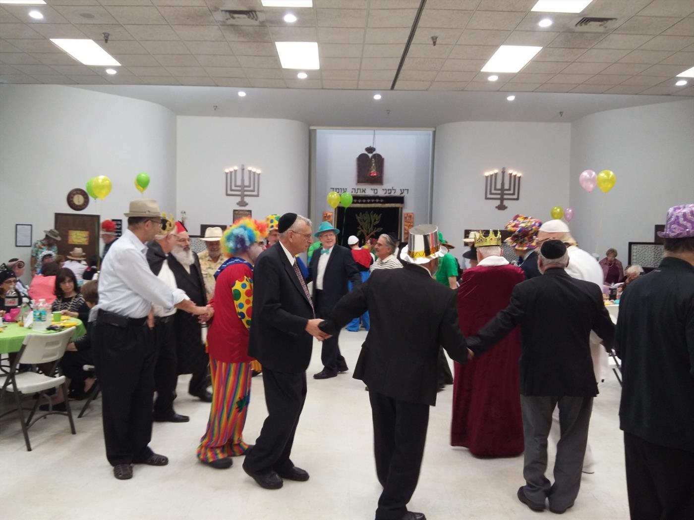 חגיגות פורים בבית הכנסת עץ החיים בפלורידה (שירה יחימוביץ' tps)