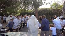 צפו: מאות בחומש בתפילה חגיגית