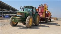 הטרור נגד החקלאים: שוב נגנב טרקטור בבקעה