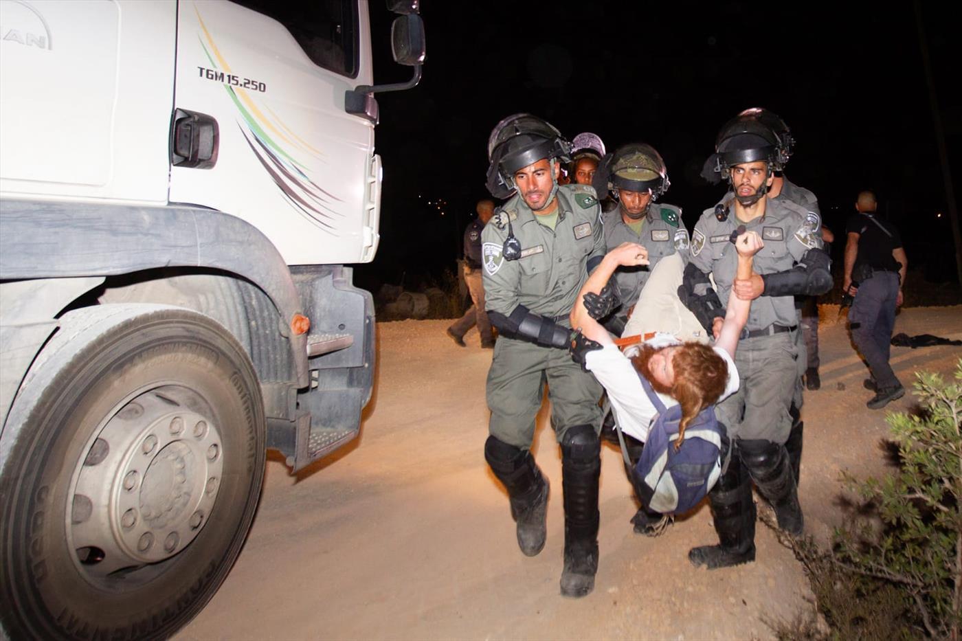מעצרים בתפוח מערב (אהוד אמיתון TPS)