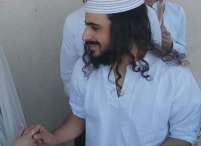 ינון ראובני ביום חתונתו (צילום מסך)