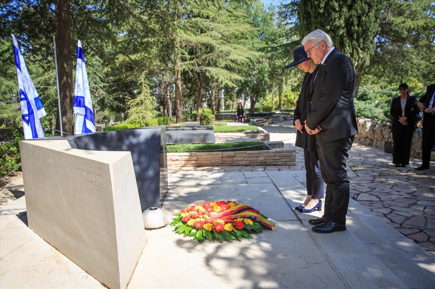 קבר רבין הלל מאיר TPS