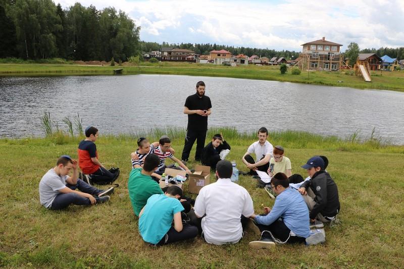 מחנה הקיץ ברוסיה (נתן לזובניקוב)