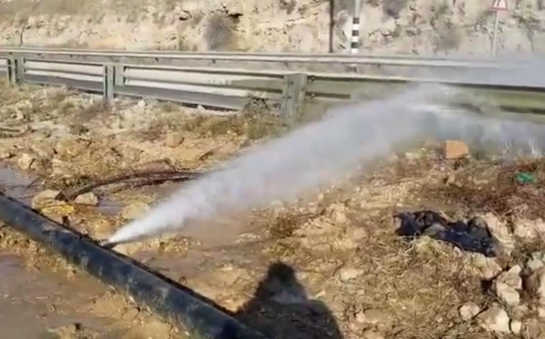 גניבת מים בהר חברון (צילום מסך)