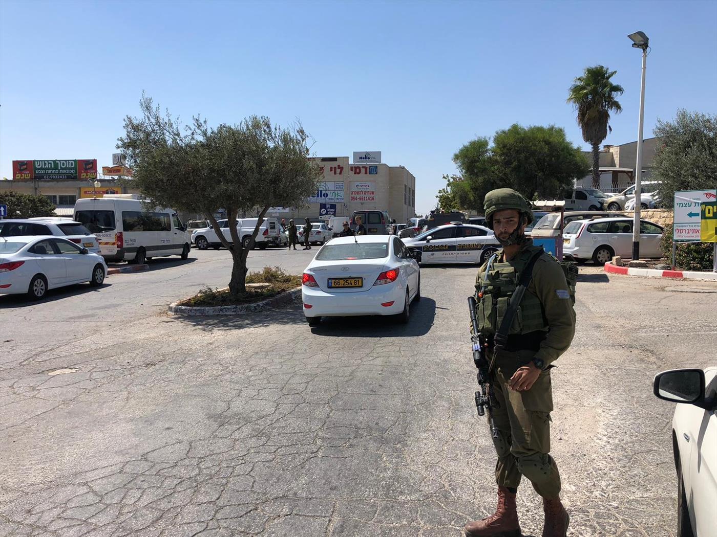 זירת הפיגוע בצומת הגוש (צילום: עמיחי גבאי/TPS)