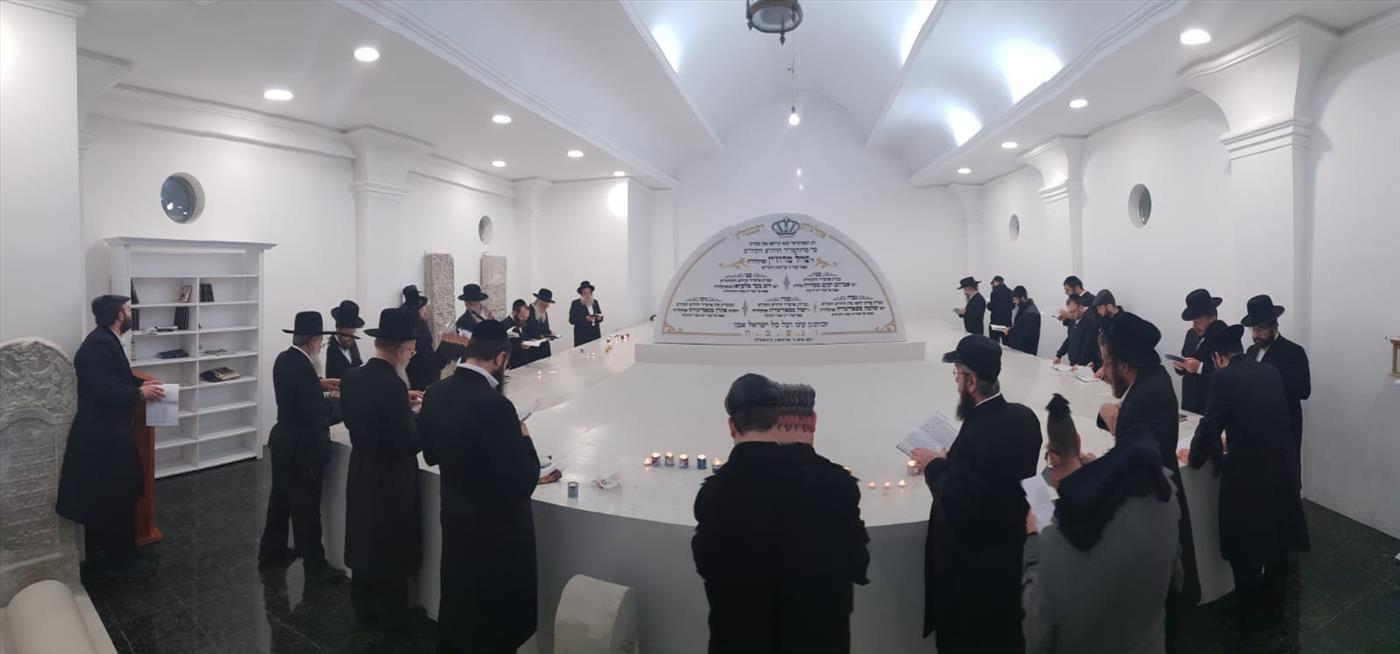 הילולת רבי ישראל מרוז'ין  (סוכנות הידיעות 24)