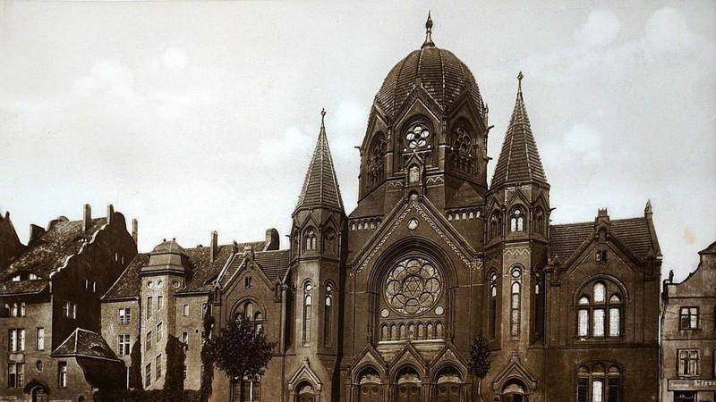 בית הכנסת לפני השואה