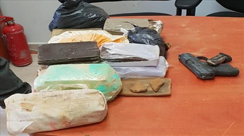 נשק וסמים שנתפסו בביר הדאג'