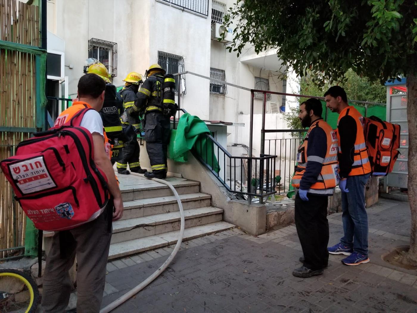 הכוחות פועלים לכיבוי הדליקה (דוברות איחוד הצלה)