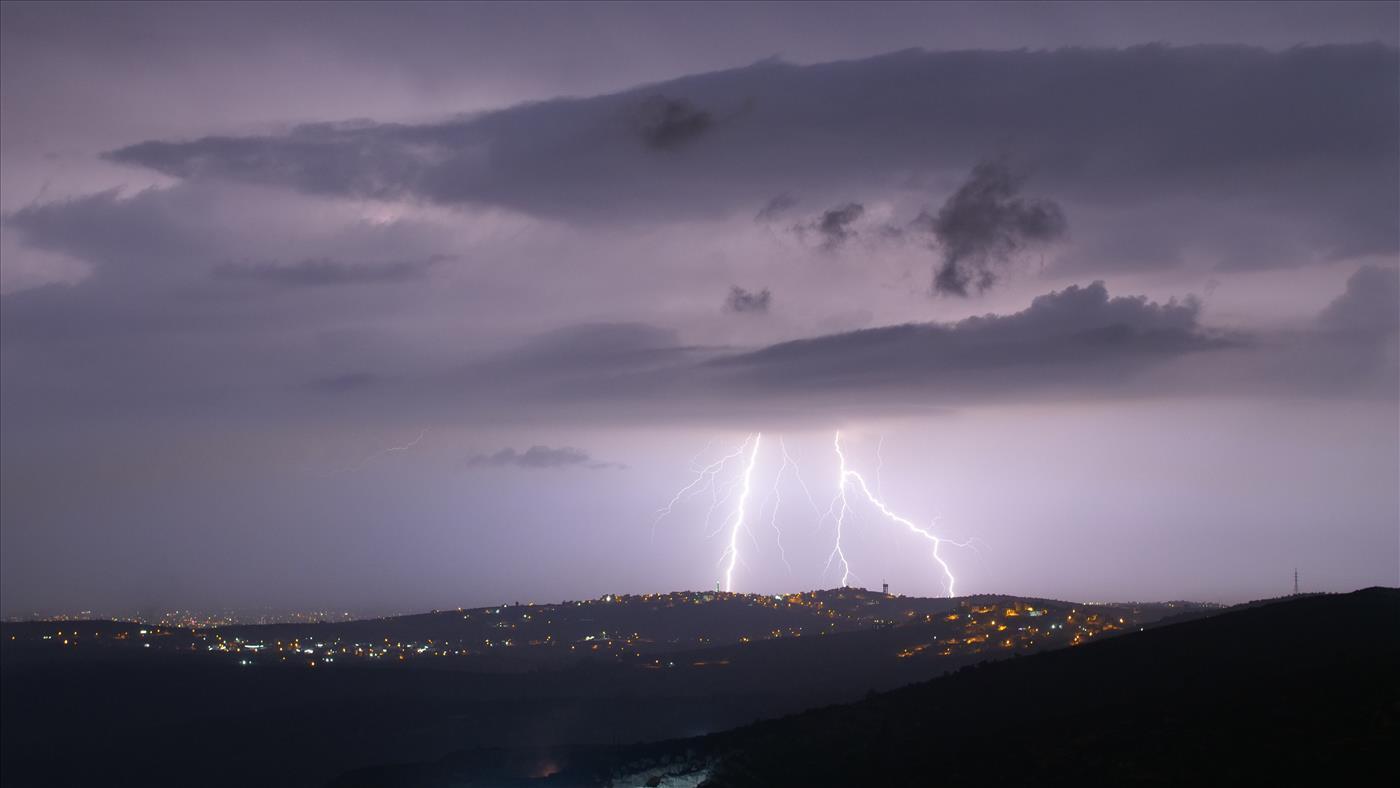 סופת ברקים (צילום: אברהם שפירא)