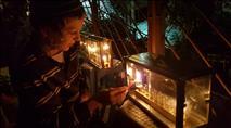 הדלקת נר ראשון ברחבי העולם - גלריית תמונות ווידאו