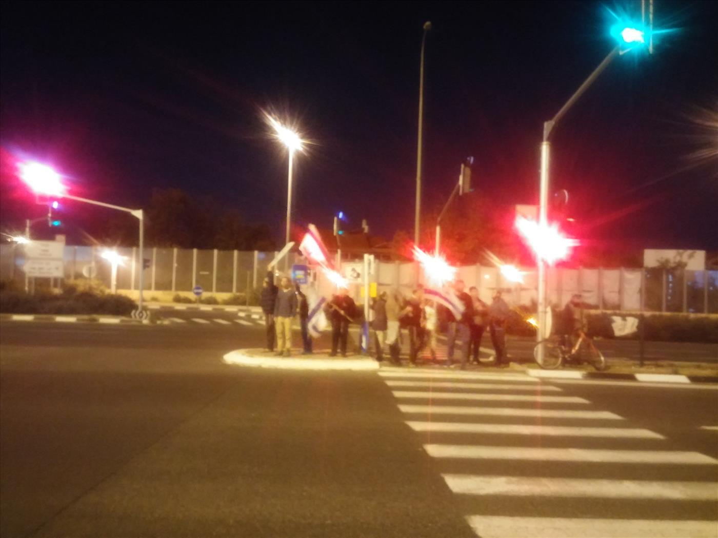 הפגנה בצומת שערייה (יגאל יום טוב)