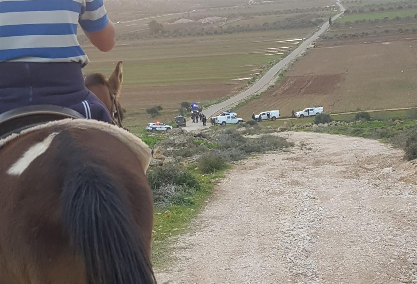 כוחות משטרה באיזור עדי עד לאחר האירועים (תושבי עדי עד)