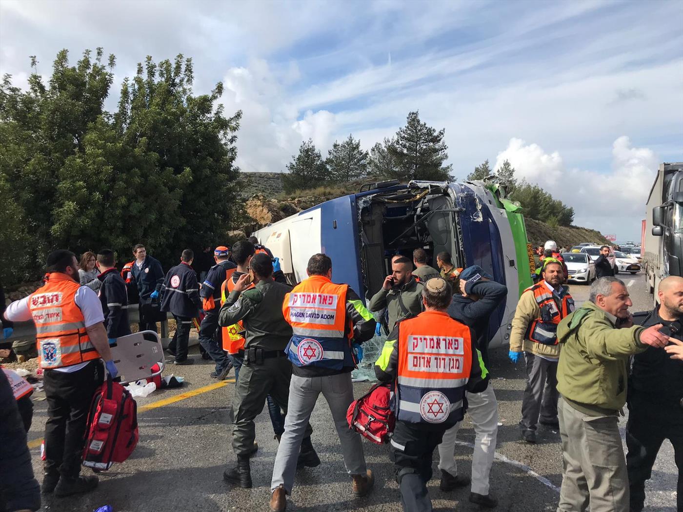 האוטובוס שהתהפך (דוברות המשטרה)