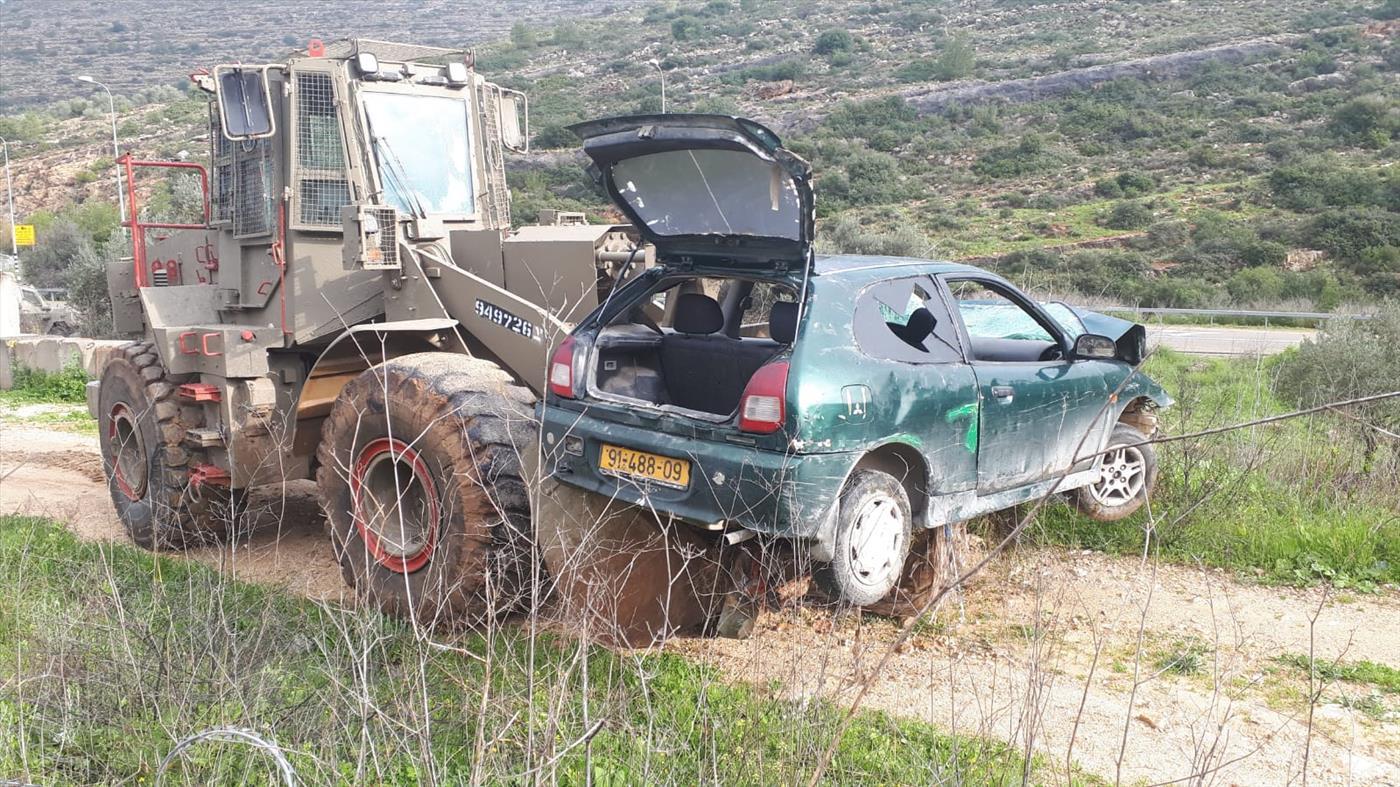 הרכב בו בוצע הפיגוע מפונה מהזירה   (צילום: TPS)