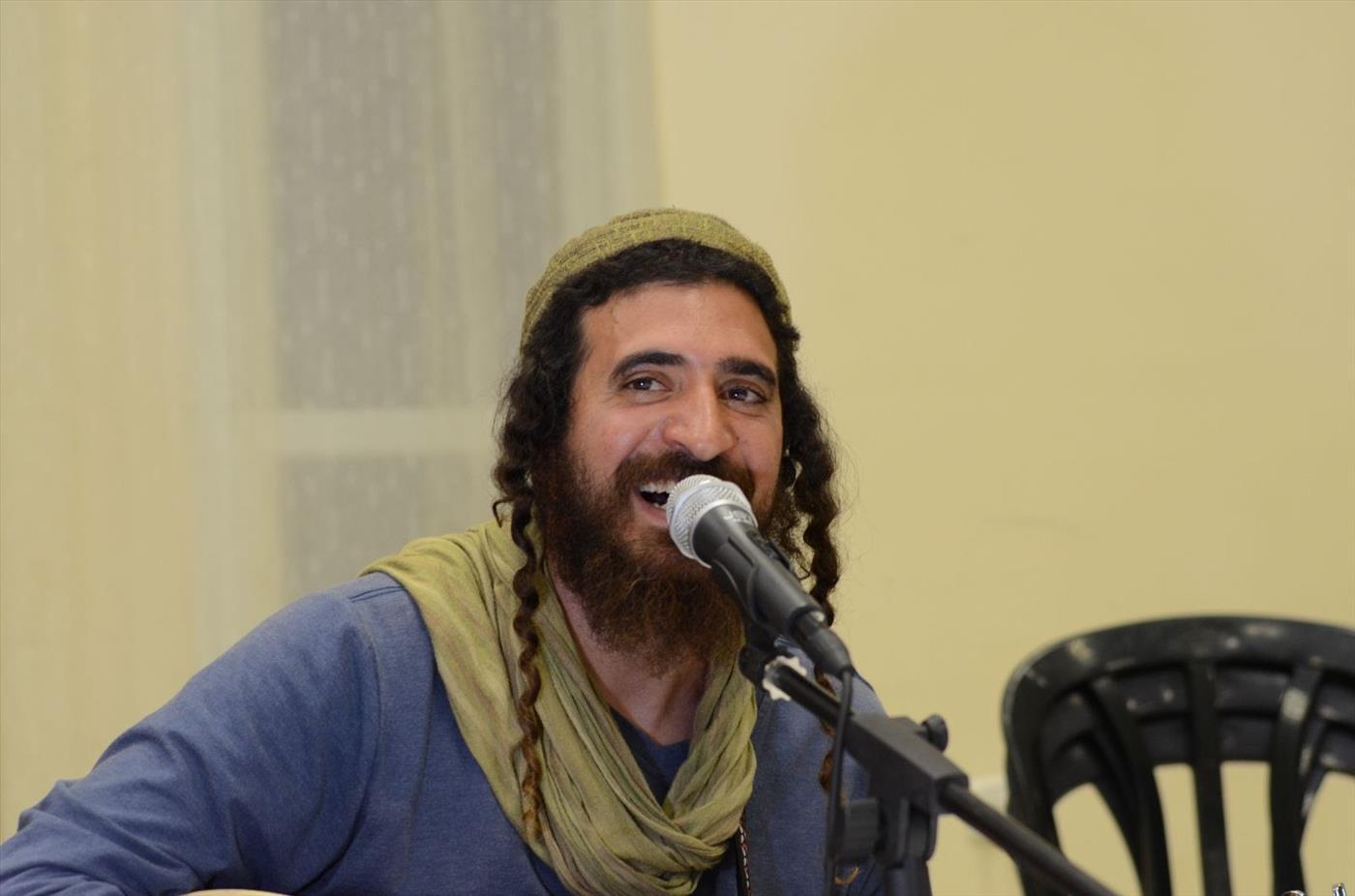 צפו: קליפ משעשע לשיר 'עבדים היינו'