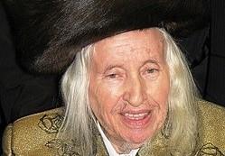 """האדמור מקאליב זצ""""ל (צילום: Yeshivatitri - ויקיפדיה)"""