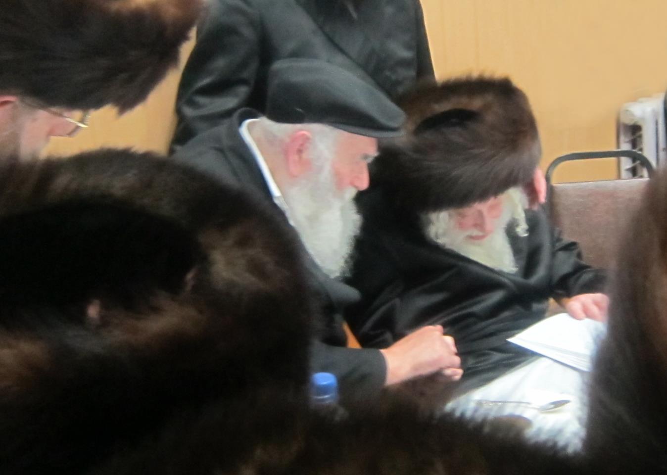 """הרב אבלסקי והאדמו""""ר זצ""""ל (צילום: יח""""צ)"""