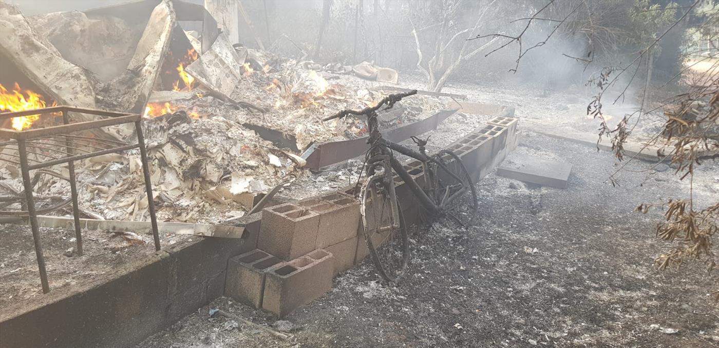 """בית שנשרף במבוא מודיעין   (צילום: דוברות כב""""ה)"""