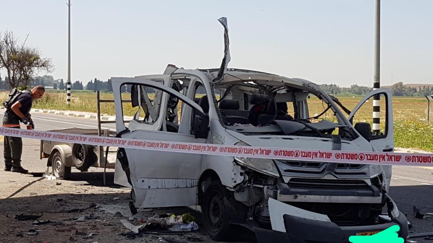 רכב שנפגע פגיעה ישירה ונהגו נהרג בחוף אשקלון (דוברות המשטרה)