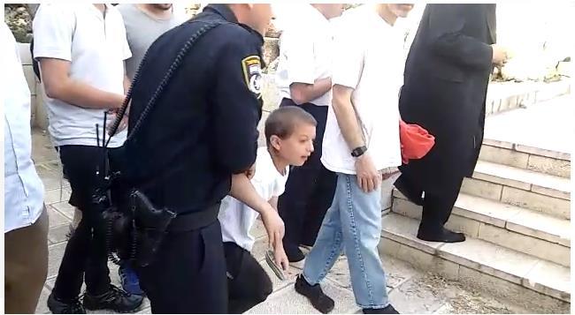 מעצרו של אחד הילדים