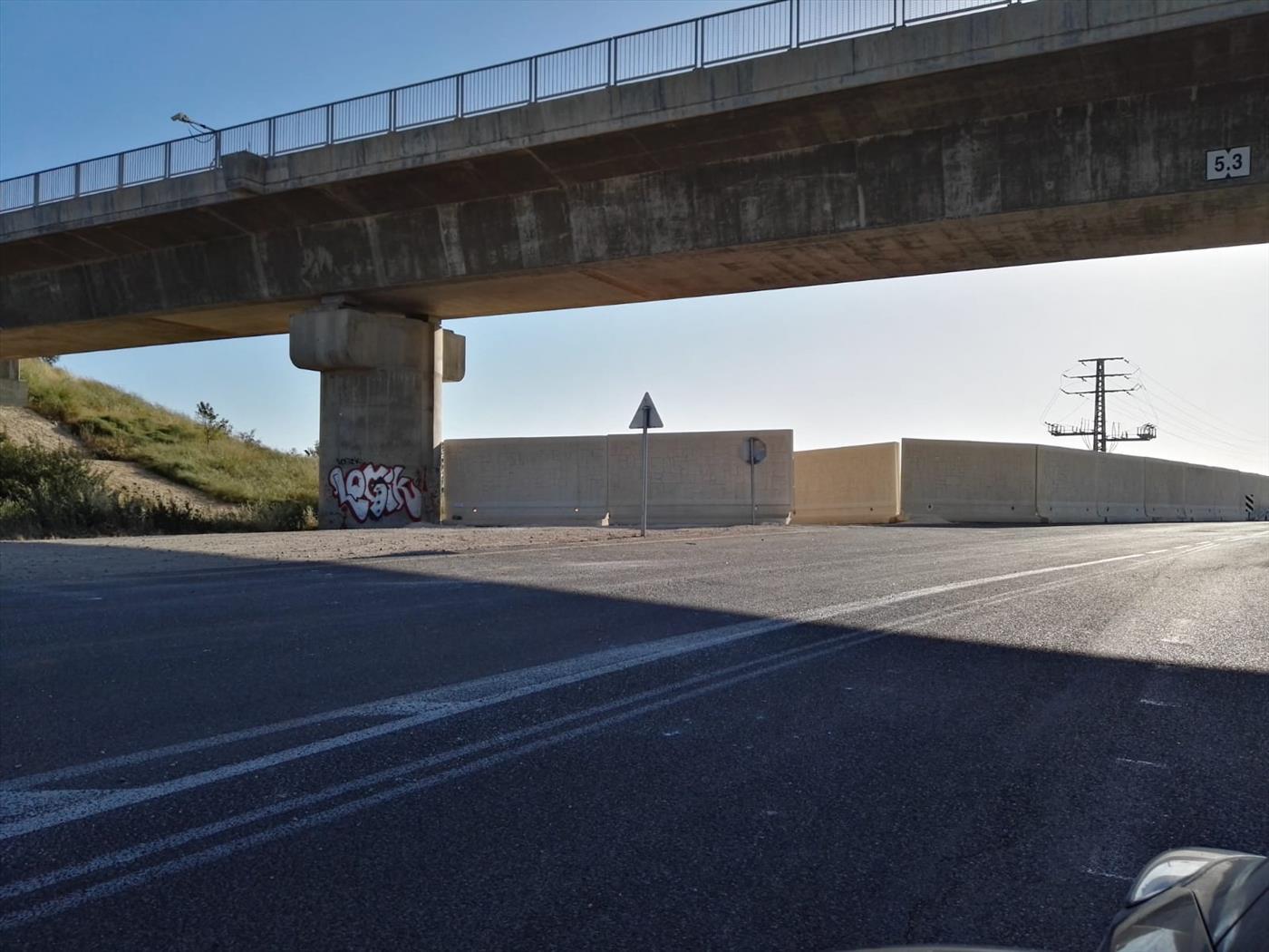 חומת בטון נגד טילי הקורנט מעזה