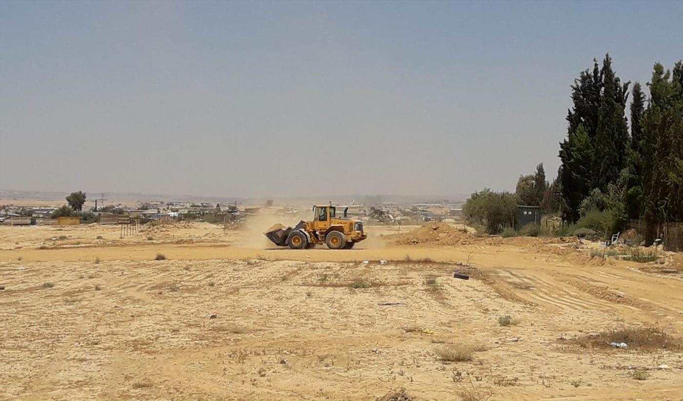 שטח העבודות לבניית בית הספר בכפר הבלתי חוקי אל זרנוג (תנועת רגבים)