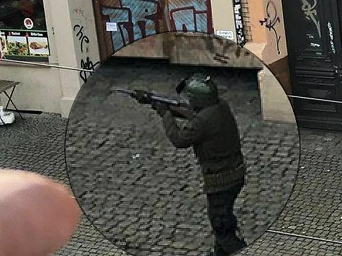 תיעוד פיגוע ירי לעבר בית כנסת בגרמניה (צילום מסך)