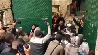 לאחר כחודשיים: בקריאות טרור - ערבים עלו להר הבית