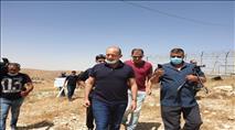 חברי הכנסת סיירו לבחון את ההפקרות בנגב והותקפו בידי בדואים