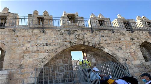 פורצי השערים ומטהרי החומות