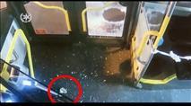 יפו: ערבים יידו אבנים לעבר אוטובוס, מספר נוסעים נפצעו