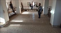 צפו: מבקרים בבית הכנסת העתיק ביריחו