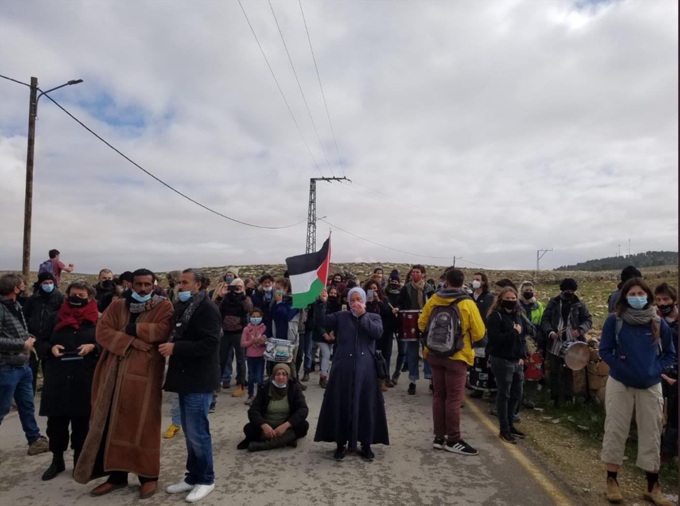 ערבים חוסמים את הכביש בהר חברון, השבוע
