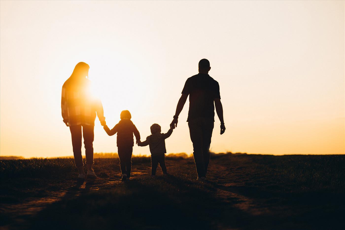 האקדמיה ללשון משכתבת את המשפחה העברית