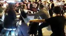 """בלשים מוסווים עוצרים באלימות נערה שמחתה על הרג אהוביה סנדק ז""""ל"""