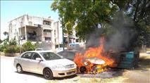 רכבים הוצתו ברמלה; המשטרה טוענת שמדובר בקצר